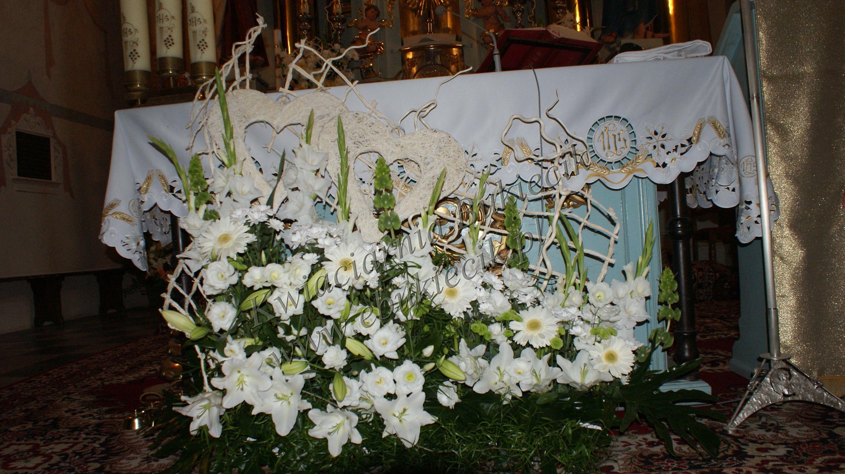 Dekoracja Kościoła Na ślub Kompozycja Pod Ołtarz Główny